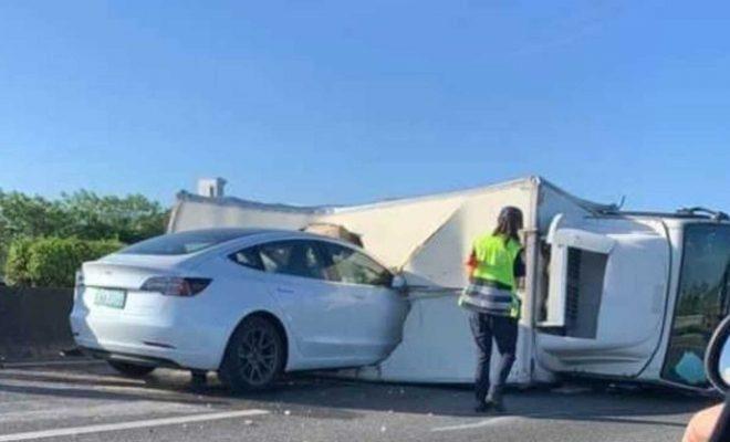 Watch Tesla Model 3 On Autopilot Crash Into Overturned Semi Truck On Highway