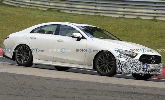 Mercedes CLS prototype spy photo