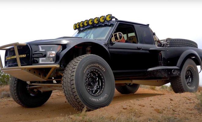 https://cdn.motor1.com/images/mgl/jz0O1/s6/ford-ranger-luxury-pre-runner-by-rj-fabrication.jpg